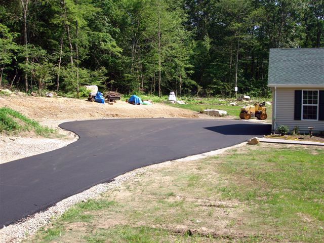 Driveway paved in Salem, CT